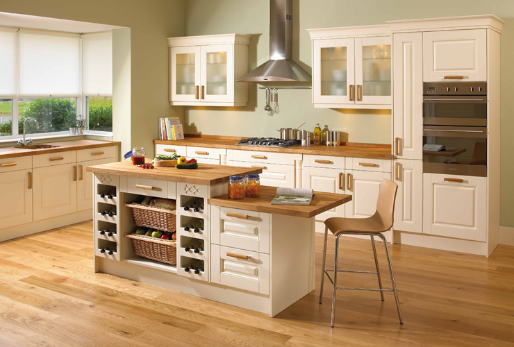 Ivory fitted kitchen for Kitchen pictures